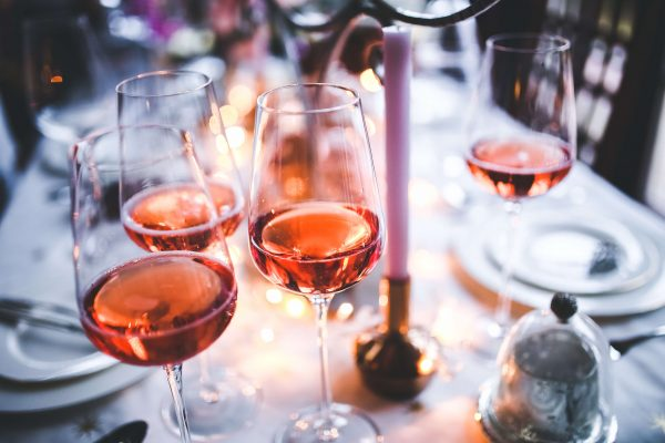 The Buyer strategy of serving and choosing a rosé wine