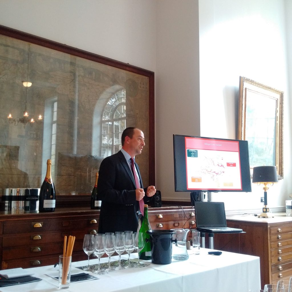Chef de cave Gilles Descôtes presents the masterclass
