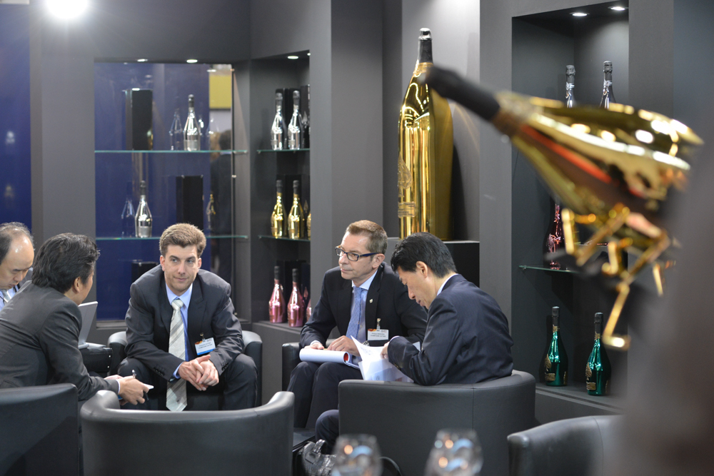 Buyers and producers can pre-register and set up 40 minute meetings organised by Vinexpo