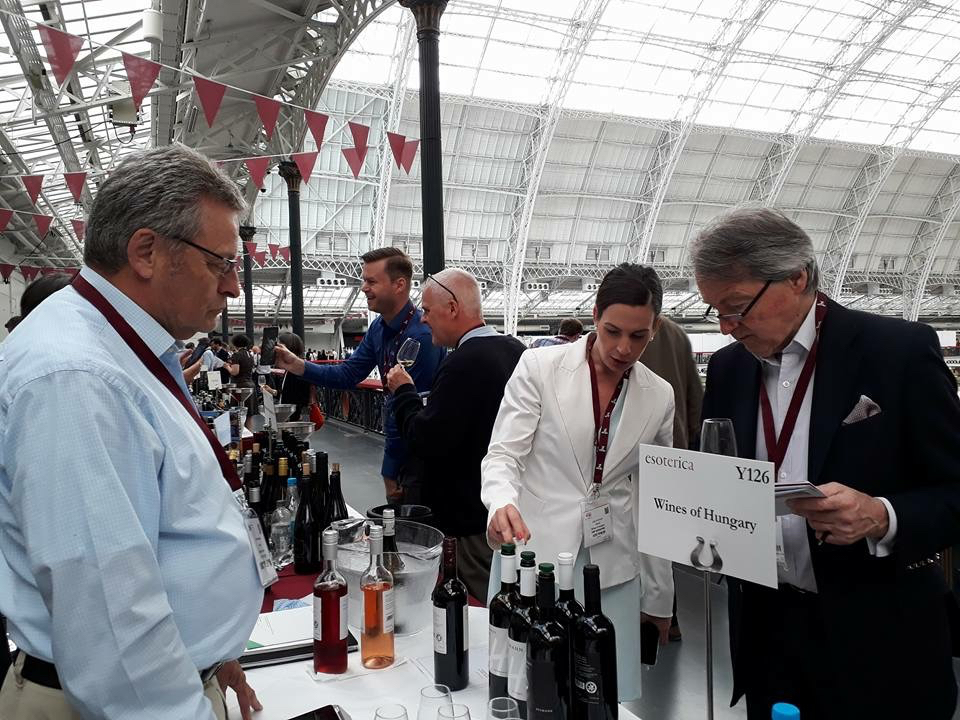 Steven Spurrier was one of many leading wine critics that Lilla O'Connor personally invited to come and taste