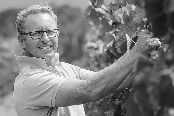 Botham has been able to work with long standing friends and respected winemakers such as Lane Vineyard's Marty Edwards