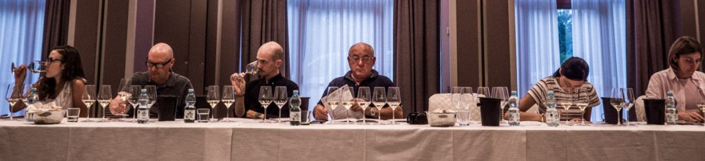The tasting attracted sommelier, buyers and experts from around the world