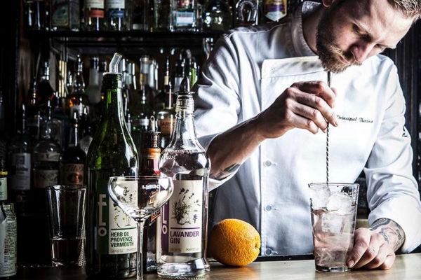 gin-bartender-3